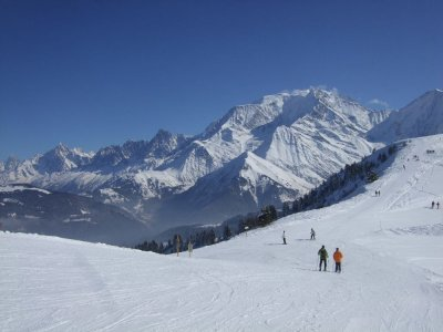 On_the_pistes_above_Megeve.JPG